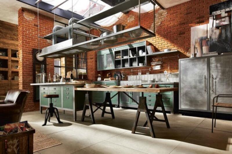 cocina estilo industrial con mesa industrial y armarios industriales