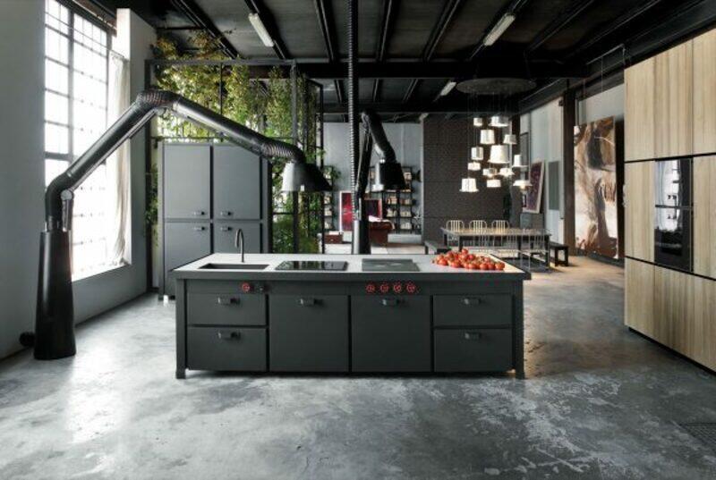 cocina estilo industrial con extractores en metal negro