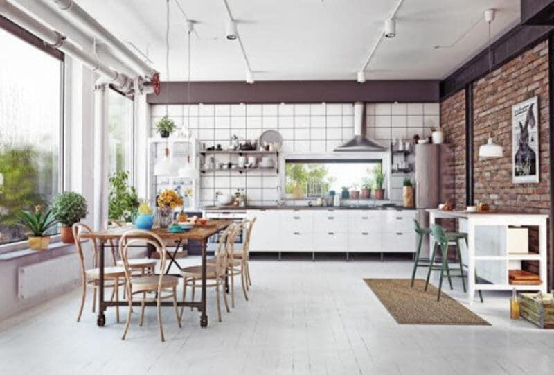 cocina estilo industrial blanca con estructura metálica